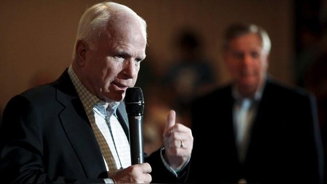 Маккейн: «Гангстер Путин» вынудил шведов вооружаться
