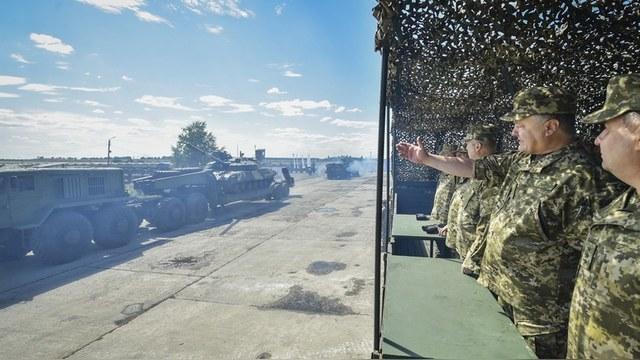 Contra Magazin: Киев тратит последние деньги на борьбу с «восточной угрозой»