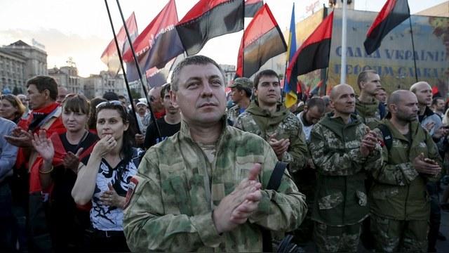 Le Figaro: Киев опасается «Правого сектора», но не брезгует его использовать