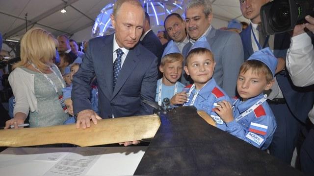 Express: Путин дал понять, что не зарыл топор войны с Западом
