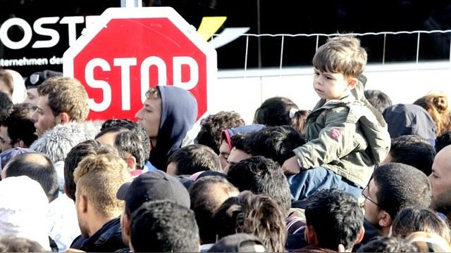 DWN: Беженцы спасаются в Европе от военных авантюр США и НАТО
