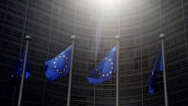Bloomberg: Евросоюзу придется ослабить санкции, чтобы продлить их