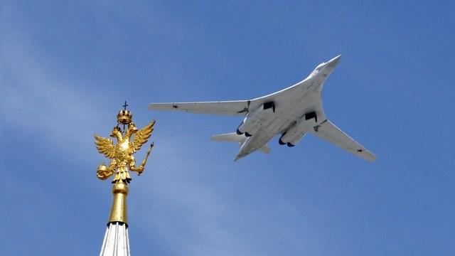 Express: Русские летчики напугали британцев «взведением ядерного курка»