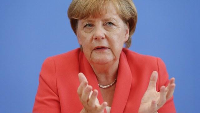 FAZ: Меркель призывает к диалогу с Асадом от беспомощности