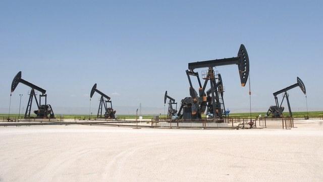 Telegraph: Москва бомбит Сирию, чтобы взвинтить цены на нефть