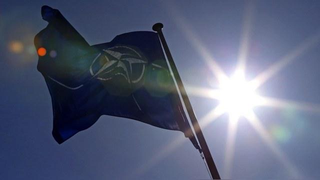 Express: Члены НАТО призвали Москву не бомбить сирийскую оппозицию