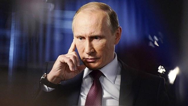 Bloomberg: Прорехи в экономике Путин прячет за ширмой холодной войны