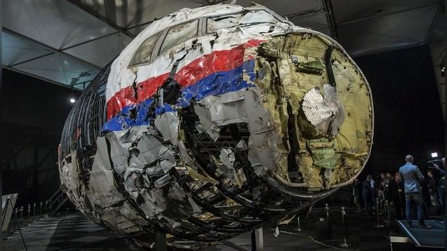 Сын жертв крушения MH 17: Киев тоже причастен к катастрофе