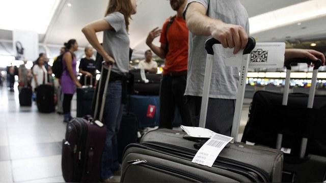 Bloomberg: Россияне не любят США, но мечтают туда эмигрировать