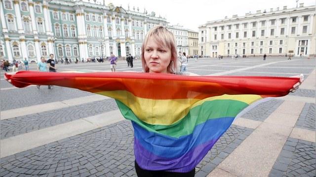 КПРФ предлагает штрафовать за признание в гомосексуальности, но только мужчин