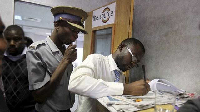 Зимбабвийцы возмущены, что их лишили праздника Великого Октября
