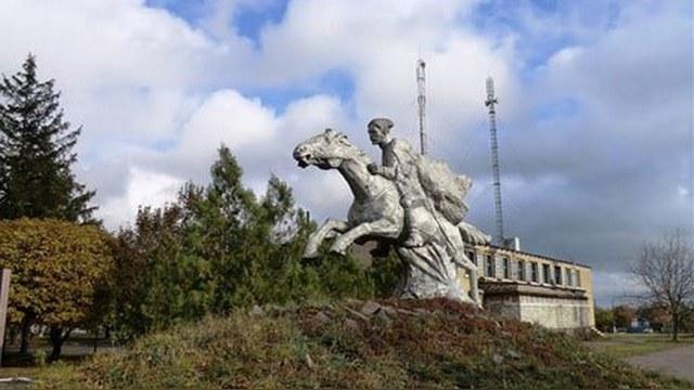 Сегодня: Украинского Чапаева «декоммунизировали» до казака
