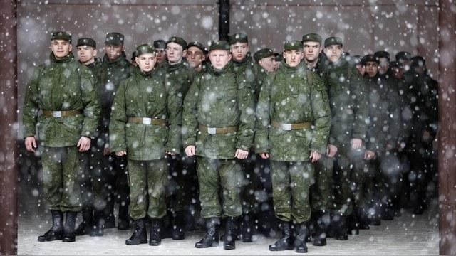 Foreign Affairs: Боязнь дедовщины доводит молодых россиян до аспирантуры