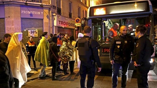 WSJ: Москва разделила скорбь с французским народом