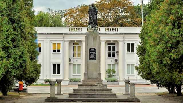 Поляки демонтировали советский памятник, «чтобы избежать трагедии»