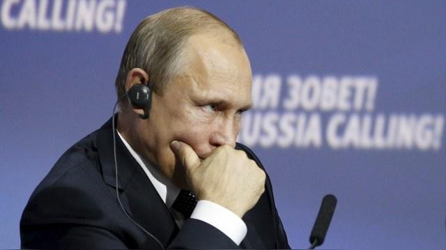FT: Страсть к оружию и социальным гарантиям обрекает Россию на упадок