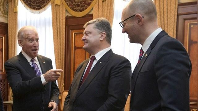 Bloomberg: США поддержали украинскую коррупцию, чтобы «не раскачивать лодку»