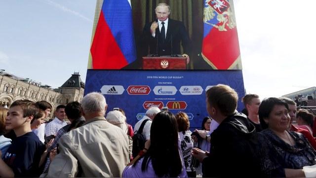 CNN: Россияне все сильнее гордятся страной, несмотря на трудности