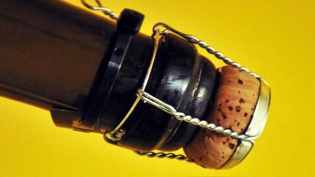 Украинская дрезина пыталась прорваться в ДНР с грузом шампанского