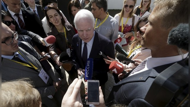 WP: Сенатор Маккейн осудил коллег за обогащение «дружков Путина»