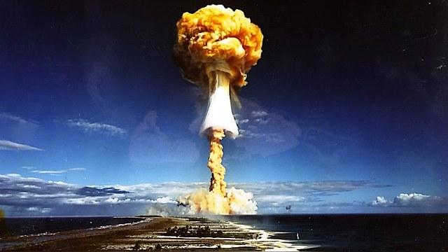 NI: Американских пилотов готовили «методично разрушать» советские города