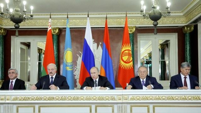Foreign Affairs: Слабая экономика мешает России укрепиться в Средней Азии