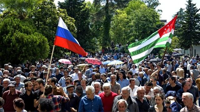 NZZ: Антитурецкие санкции и опека Кремля дорого обойдутся абхазам