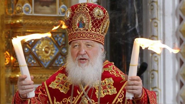 Europe 1: Ватикан надеется на встречу строгого папы со сверкающим патриархом