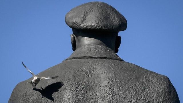 Вести: Украина не знает, что делать с разрушенными памятниками
