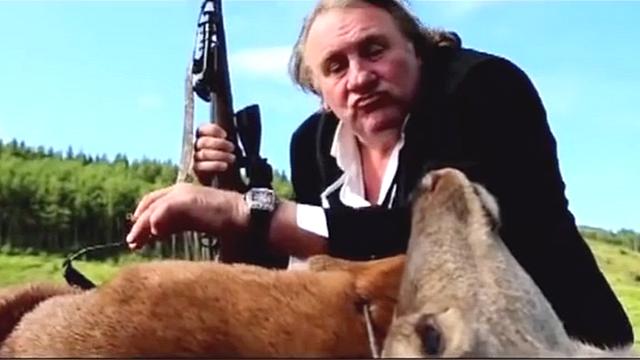 Le Point: В безвкусной рекламе часов Депардье подражает Путину