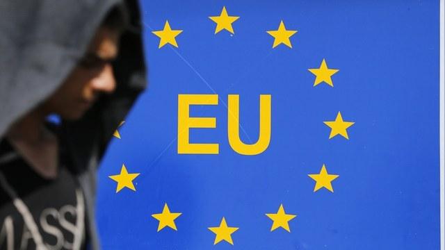 FP: Брюсселю пора перестать винить Путина в развале Европы
