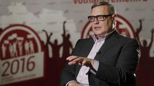 VoA: Касьянов обвинил Путина в «майдане» и пообещал отдать Крым