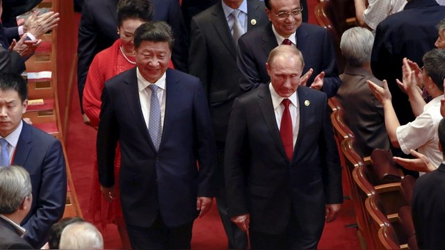 NZZ: Китай идет к величию с помощью экономики, а Россия – войны