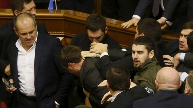 Der Standard: Киев превратил трагедию «майдана» в комедийный фарс