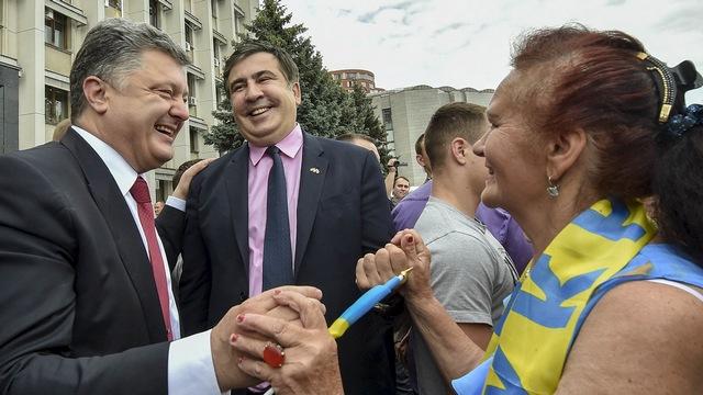 Le Temps: В неравной борьбе с коррупцией Украина уповает на Саакашвили