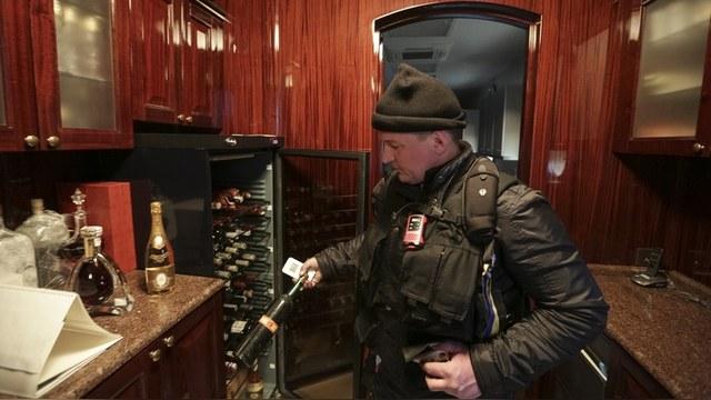 RFE: Охотничью резиденцию Януковича обчистили до последнего веника