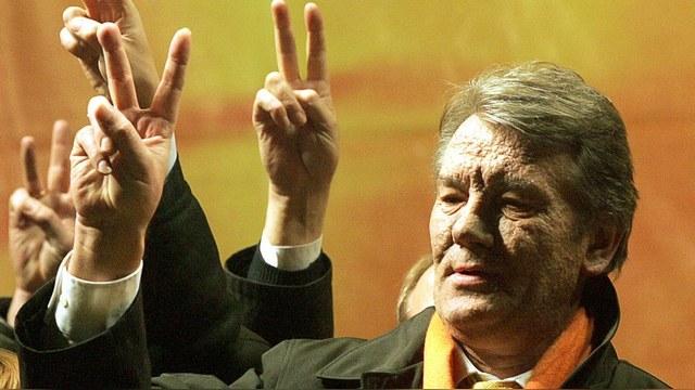 ГОРДОН: Ющенко уже чувствует запах горящих шин – новый «майдан» близко