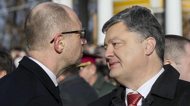 FT: Яценюк бросил вызов Порошенко – увольняйте или дайте работать