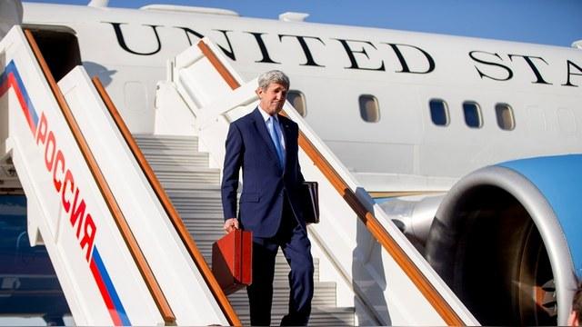 VoA: Керри приехал «ловить момент» по Сирии, Украине и хлопотать за Савченко
