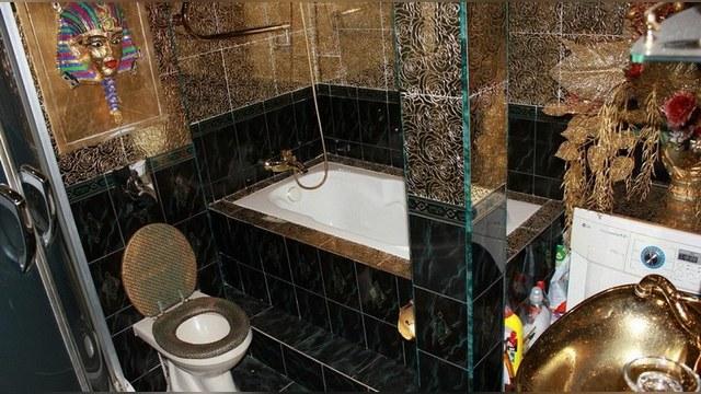 Daily Mail ослепила «золотая» квартира в Магадане