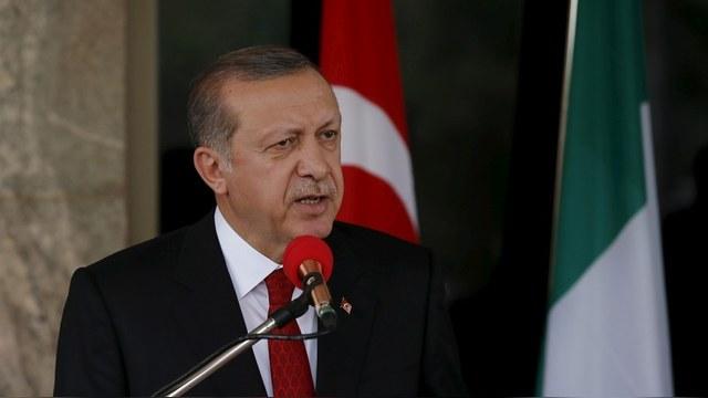 Spiegel: Сатирическая песенка на немецком ТВ вывела Эрдогана из себя
