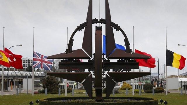 Time: Чтобы расколоть НАТО, Путин выставляет его «пустышкой»