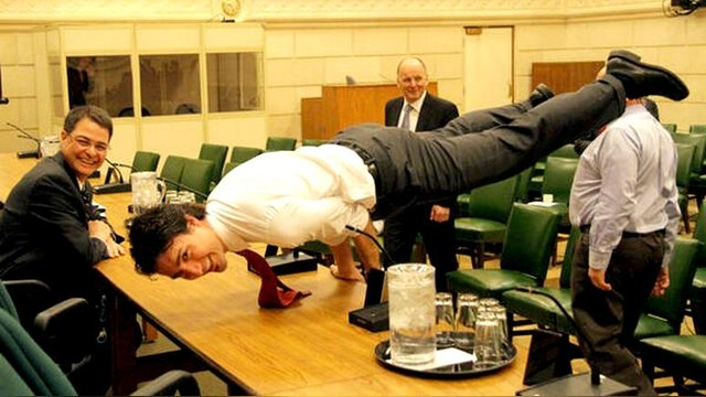 Die Welt: Премьер-министр Канады посягнул на спортивные лавры Путина