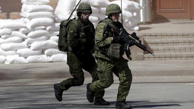 Le Monde: Запад и восток Европы разошлись во взглядах на русскую угрозу