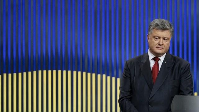 Bloomberg: Порошенко сам виноват, что Нидерланды сказали нет