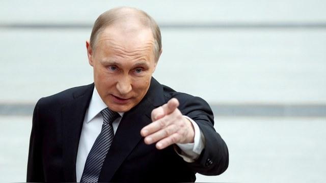 Forbes: Даже «упавший» рейтинг Путина недосягаем для западных политиков