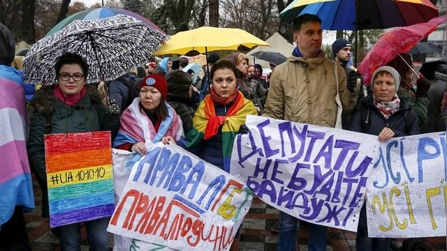 Порошенко за традиционные ценности: однополых браков на Украине не будет