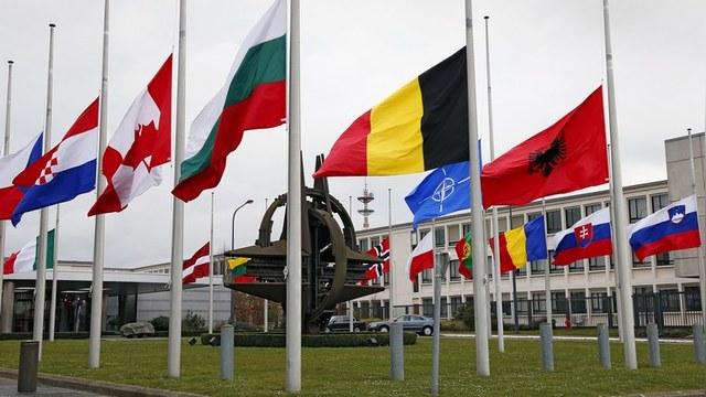 Апостроф: Декан школы НАТО назвал главными угрозами Россию и ИГ