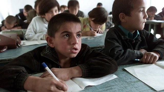 RFE: В Таджикистане запретили давать детям русские фамилии и отчества