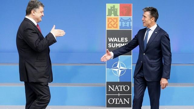 Корреспондент: Порошенко назначил своим советником экс-генсека НАТО